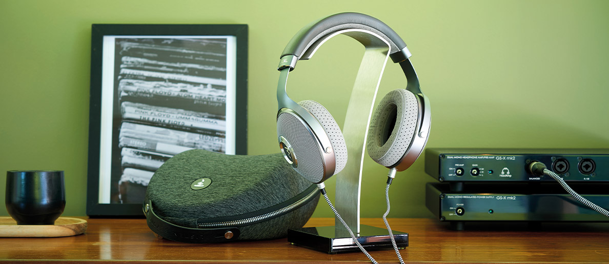 Słuchawki wokółuszne czy nauszne – które wybrać?, Denon Store