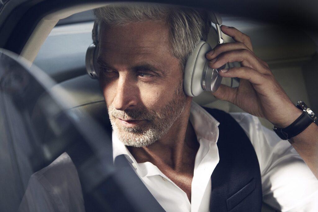 Recenzja bezprzewodowych słuchawek Beoplay H95, Denon Store