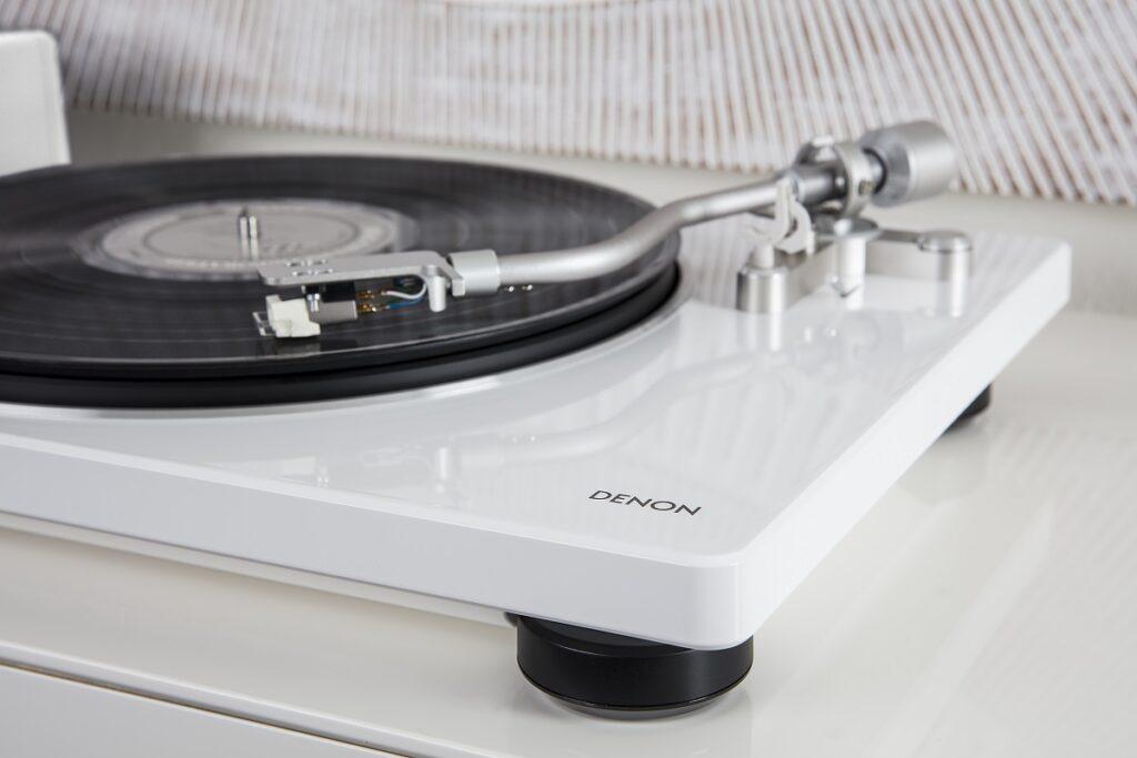 Jak dbać o gramofon i płyty winylowe?, Denon Store