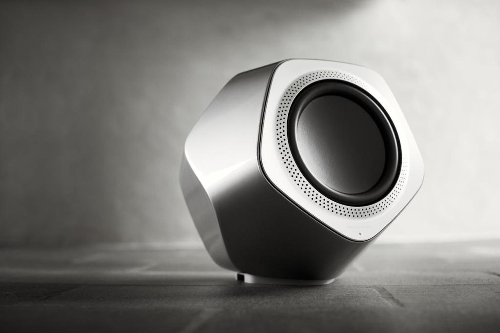 Instalacje audio-video: – wykonanie instalacji pod głośniki BeoLab 18, Denon Store
