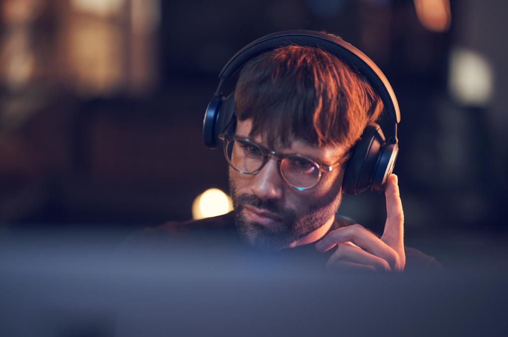 Porównanie nowych słuchawek Beoplay Portal i Beoplay HX, Denon Store