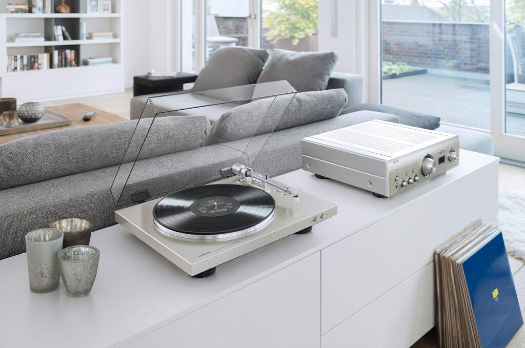 Co należy wiedzieć przed zakupem gramofonu?, Denon Store